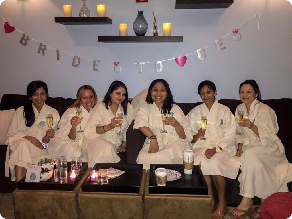 Looking for a venue for your birthday party, bridal or baby shower this summer? Ohm Spa has the perfect lounge area to create a relaxing experience for your group. Each guest can receive the treatment they prefer, and you can all relax together before/after your services, with food and beverages of your choice (We are BYOB) 🥂🍾🍷 visit our website for more information and to contact us about organizing your spa day here at Ohm!